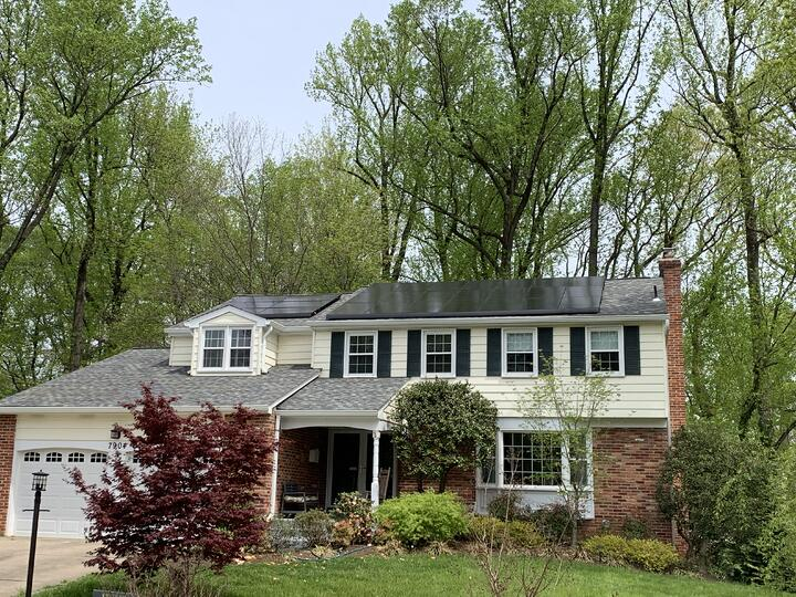 How many solar panels does a 2,000 square foot home need in Virginia